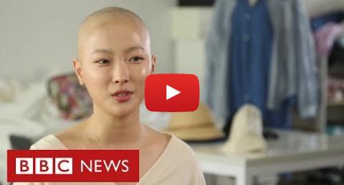 YouTube post de BBC News Brasil: A youtuber de beleza que compartilha sua luta contra o câncer nas redes