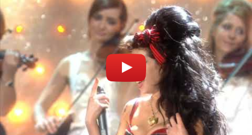Youtube post by Al Ale: 2008 Brits- 'Valerie' by Amy Winehouse and Mark Ronson(Close Up,HD)