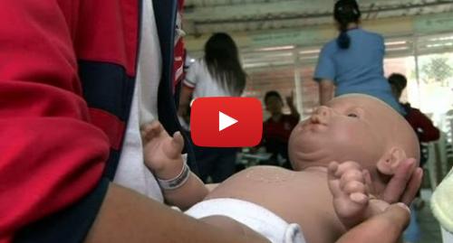 Publicación de Youtube por BBC News Mundo: Bebés robot para prevenir el embarazo adolescente