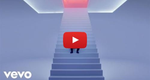 Youtube post by DrakeVEVO: Drake - Hotline Bling
