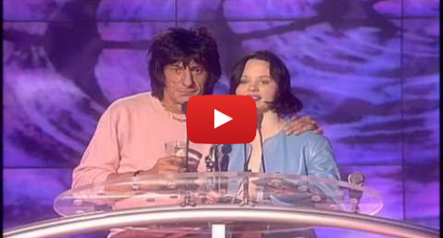 Youtube post by BRITs: Notting Hill win Best Soundtrack presented by Ronnie Wood and Thora Birch | BRIT Awards 2000