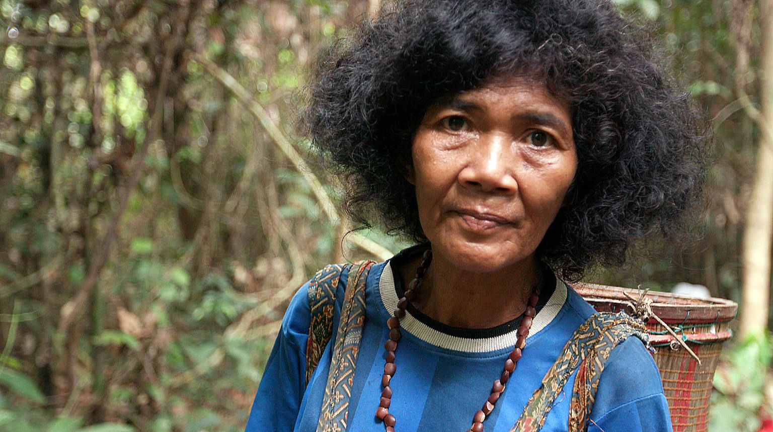 An Orang Rimba woman in the forest
