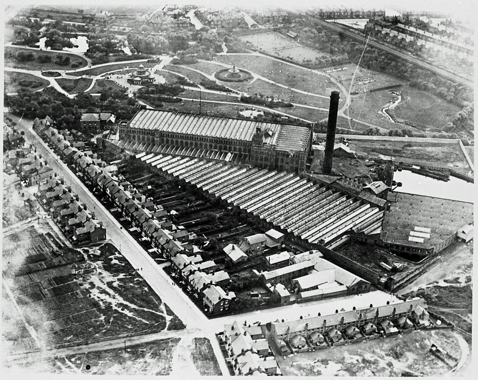 Early 20th Century aerial shot of Pagefield Mill