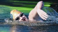 Sarah-thomas-swimming.