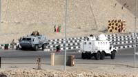 قُتل المئات من أفراد الجيش والشرطة في هجمات، أعلن مسلحون تابعون لتنظيم الدولة الإسلامية مسؤوليتهم عن كثير منها.
