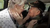 Ветеран войны встретился со своей возлюбленной
