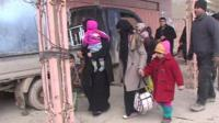 Families fleeing Ramadi