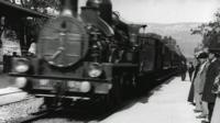 A scene from the original film L'Arrivee d'un train en gare de La Ciotat