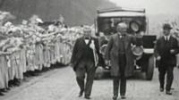 David Lloyd George cheered by crowds