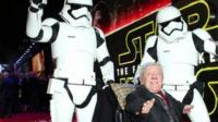 Kenny Baker at Star Wars premiere