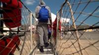 В Европу продолжают прибывать мигранты из Африки. Среди ним много детей и подростков. Что ждет их в этом новом мире?