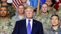 Donald Trump with US soldiers