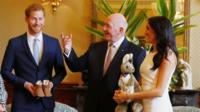 Prince Harry, Sir Peter Cosgrove and Meghan, Duchess of Sussex