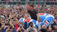 James Blunt crowdsurfing