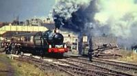 Locomotive leaves Bridgnorth