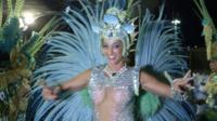 Саманта Флорес переехала в Рио из Лондона.