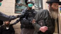 Ультраортодоксы в Израиле против коронавируса.