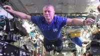 Space station crew do Mannequin Challenge