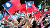 """这次选举是蔡英文2016年当选台湾总统后,当地第一次大型地方选举,因此又被视为台湾选民对蔡英文表现的一次""""公投""""。"""