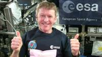 Tim Peake gives thumbs up