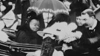"""""""На ней солнцезащитные очки!"""": королева Виктория, какой ее еще никогда не видели"""