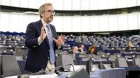 MEP speaking during a voting session
