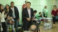 Иванишвили на избирательном участке