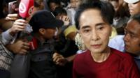 "Myanmar""s National League for Democracy (NLD) party leader Aung San Suu Kyi arrives to cast her ballot during the general election in Yangon November 8, 2015"