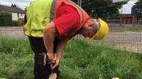 """The """"difficult and demoralising"""" job hunt for a builder who cannot hear."""