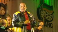 Jacob Zuma dancing