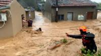 На восточную часть Китая обрушился самый мощный тайфун за год.