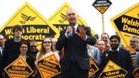 Tim Farron in front of Lib Dem supporters