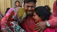 Pakistani Christians mourn the death of a blast victim