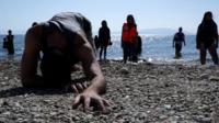 Беженцы добрались до Греции