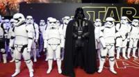Star Wars parade ahead of premiere in London