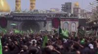 يحيي ملايين الشيعة في العالم ذكرى مقتل الإمام الحسين بن علي في يوم عاشوراء. ويتوافد مئات الآلاف منهم على ضريح الإمام الحسين وأخيه أبي الفضل العباس ويرددون شعارات الولاء.