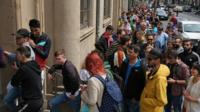 Romanians queue up to vote