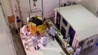 """""""Бешерит"""" упаковывают для перевозки на космодром в США."""