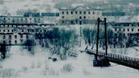 Заброшенные здания и мост в поселке Советский