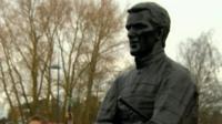 Tony McCoy statue at Cheltenham