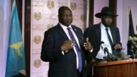 Mr Machar (l) and Mr Kiir