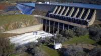 Оровилльская плотина в Калифорнии