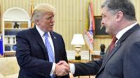 US President Donald Trump (left) shakes hands with his Ukrainian counterpart Petro Poroshenko at the White House. Photo: 20 June 2017
