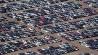 Reacquired Volkswagen and Audi diesel cars sit in a desert graveyard near Victorville, California, U.S.