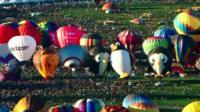 Thousands gather for Albuquerque balloon festival