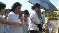Cambodians pay tribute to former King Norodom Sihanouk
