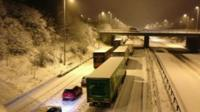 Stationary vehicles on the M6