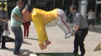 Removing the Freddie Mercury gorilla sculpture
