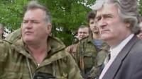 Ratko Mladic (L) and Radovan Karadzic (R)