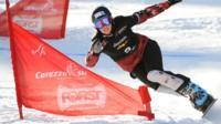 Caroline Calvé snowboarding